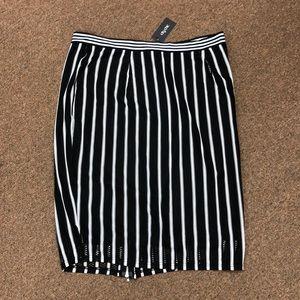 NWT City Chic White & Black Striped Zipper Skirt